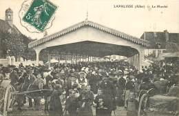 03 , LAPALISSE , Le Marché , CF * 363 38 - Lapalisse