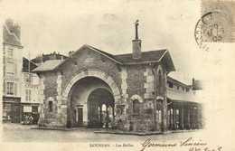 DOURDAN  Les Halles RV - Dourdan