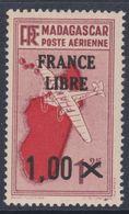 """Madagascar P.A. N° 52 X Partie De Série Timbres Surchargés """"France Libre"""" : 1 F. Sur 1 F. 25 Trace De Charnière Sinon TB - Madagascar (1889-1960)"""