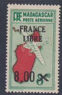 """Madagascar P.A. N° 54 X Partie De Série Timbres Surchargés """"France Libre"""" : 8 F. Sur 8 F. 50 Trace De Charnière Sinon TB - Madagascar (1889-1960)"""