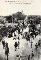 52 CHÂTEAUVILLAIN - Cavalcade Du 29 Mars 1908 - Le Défilé, Pris De La Tour Du Pont Des Malades - Très Animée - État LUXE - Chateauvillain