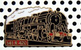 1 Pin's Locomotive à Vapeur 141 R 420 Roulante émail Noir Métal Doré Cartouche Rouge - TGV