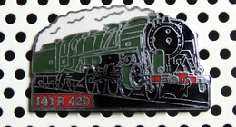 1 Pin's Locomotive à Vapeur 141 R 420 Roulante émail Vert Métal Chromé Cartouche Rouge - TGV