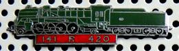 1 Pin's Double Attache Locomotive à Vapeur 141 R 420 émail Vert Métal Chromé Cartouche Rouge - TGV
