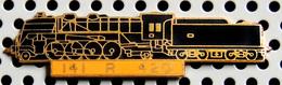 1 Pin's Double Attache Locomotive à Vapeur 141 R 420 émail Noir Métal Doré Cartouche Jaune - TGV