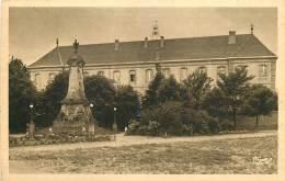 63 , ISSOIRE , College Et Monument Aux Morts , * 373 39 - Issoire