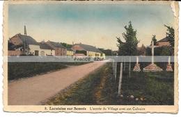 Lacuisine-sur-Semois L'entrée Du Village Avec Son Calvaire Année 1939 - Florenville