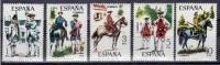 ESPAÑA 1975 - UNIFORMES MILITARES IV GRUPO - Edifil Nº 2236-2240 - Yvert 1890-1894 - Textile
