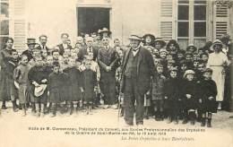 M017358 ILE DE RE SAINT MARTIN VISITE DE CLEMENCEAU AUX ECOLES PROFESSIONNELLES DES ORPHELINS 16 AOUT 1919 ILE DE RE SAI - Ile De Ré