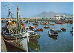 Espagne -- LAREDO --1965 -- Le Port  (jolis Bateaux) --- Timbre  -- Cachet - Cantabria (Santander)