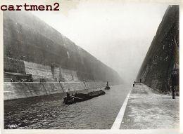 GRANDE PHOTO : LANAYE HACCOURT-VROENHOVEN MEUSE HEER CANAL ALBERT LIEGE CHANTIER CONSTRUCTION BELGIQUE - Belgio