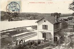 54 PIERRE-LA-TREICHE (426 Hab.) - La Gare - Animée - France