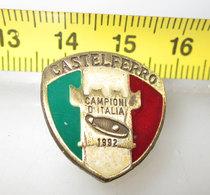 CASTELFERRO CAMPIONI D'ITALIA TAMBURELLO 1992 PIN - Pin's