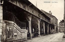 54 VÉZELISE - Les Halles - Animée - Vezelise
