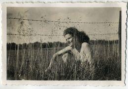 2 PHOTOS - PORTRAIT DE FEMME EN MAILLOT DE BAIN - HOMME ET FEMME EN MAILLOT DE BAIN - 1946 - Luoghi
