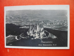 Fliegeraufnahme Burg Kreuzenstein.Pisal Slovenec - Korneuburg