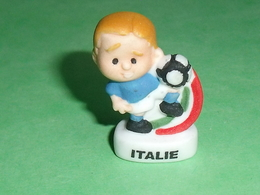 "Fèves / Sports : Foot , Italie  "" Mat ""       T13 - Sport"