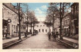 CPA - THOUARS (79) - Aspect Du Café-Tabac , De L'Hôtel Des Voyageurs , De La Gare Et De L'avenue De La Gare En 1945 - Thouars