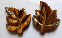Tiger Eye Carved Leaf 2pcs - Jewels & Clocks