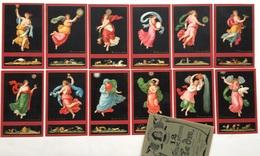 Serie Completa Di 12 Cartoline Con Pochette - Le Ore Del Giorno E Della Notte - Illustratori & Fotografie