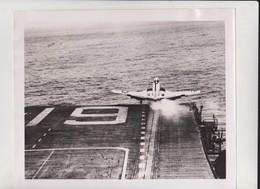 USS HANCOCK    McDonnell F2H Banshee   NAVAL AIR TEST CENTER PATUXENT MARYLAND    +  25 * 20 CM - Barcos