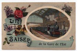 Cpa Paris - Un Baiser De La Gare De L'Est - Métro Parisien, Gares
