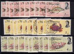 F0125 MAURITIUS 1969, SG 382-4 Definitives, Small Lot Of 30 Used Stamps - Mauritius (1968-...)