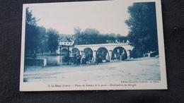 CPA 36 Le Blanc - Place Du Bateau Et Le Pont Distillation Du Kirsch - Le Blanc