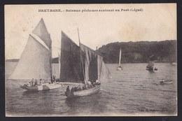 BRETAGNE ** BATEAUX PECHEURS RENTRANT AU PORT ** Légué ( Près De Plérin Et Saint Brieuc ) - Fisherman - Pecheur - Pêche
