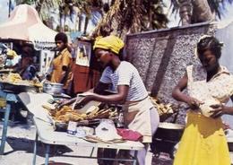 Fritureras En Playa De Bocca Chica - Santo Dominco - Rep. Domenicana - Formato Grande Viaggiata – E 7 - Non Classificati