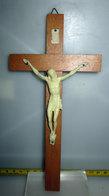 CROCIFISSO  H 19 CM. VINTAGE LEGNO PLASTICA - Religione & Esoterismo