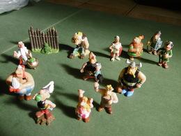 Lot Astérix & Obelix X 13 Figurines Uderzo Gosciny, Albert René Et Plastoy - Astérix & Obélix