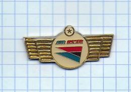 Pin's Pins / THEME AVIONS -  Grade 1 étoile Chez La Compagnie Aérienne AIR INTER - Avions