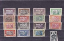 COTE D'IVOIRE :  Y&T : Lot De 16 Timbres  Oblitérés - Costa D'Avorio (1892-1944)