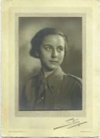 Photo. Femme En Uniforme. Croix Rouge? Militaire? Scout? Foto Stern, Bruxelles - War, Military