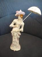 Biedermeier Dame Mit Schirm  (527) - Ceramics & Pottery