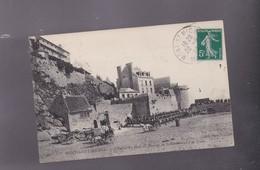 50 ,MANCHE, MONT ST MICHEL, L'entrée Du Mont  Au Moment Du Débarquement D'un Train - Le Mont Saint Michel