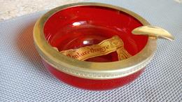 P. Schneider Monture Bronze Or Fin (étiquette) - Cendrier Verre Rouge - Vers 1950 - Ashtrays