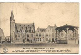 Dendermonde Le Grand Place Et Le Musee - Dendermonde