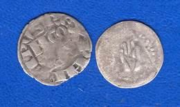 2  Pieces  A  Identifie - 476-1789 Monnaies Seigneuriales