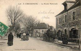 CPA -CRESSENSAC (46) -Aspect Du Café-Hôtel Simon Et De La Rue Nationale Le Dimanche à La Sortie De La Messe - Années 20 - Autres Communes