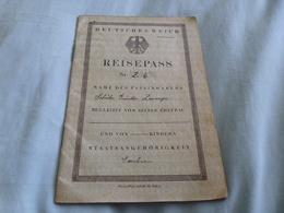 1929 German Reisepass Passport Issued German Consul Bogota Colombia, 14 Year Old Boy. Czech Entries - Historische Dokumente