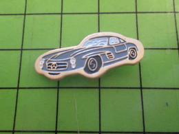 310b Pin's Pins / Beau Et Rare : Thème AUTOMOBILE / PETITE MERCEDES GRISE ANNEES 50/60 - Mercedes