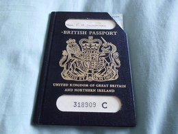 1979 British Reisepass Passport , Portugal, Canada,Bergen,Sweden, France,Egypt Handstamps +++ - Historical Documents