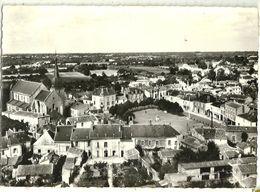 En Avion Au Dessus De...Le POIRE Sur VIE Eglise Et Place Lapie 14 (voyagée En 1965) - Poiré-sur-Vie