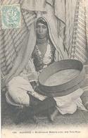 Algerie (Algerije), Musicienne Kabyle Avec Son Tam - Tam - Algerije