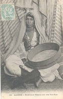 Algerie (Algerije), Musicienne Kabyle Avec Son Tam - Tam - Vrouwen