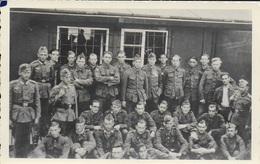 Carte Postale Photo Militaire. Guerre. Militaria. - Guerre, Militaire