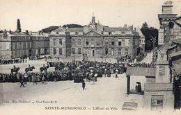 9553. MARNE 51 SAINTE-MENEHOULD. L'HÔTEL DE VILLE. ANIMEE - Sainte-Menehould