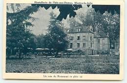 MANTES-LA-JOLIE - Hostellerie De L'Isle-aux-Dames - Un Coin Du Restaurant En Plein Air - Mantes La Jolie